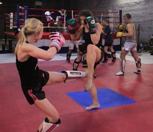hook up muay thai boxing north york on